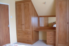 bedroom-cupboards-13075239131